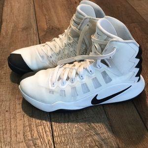 Nike Hyperdunk women's sz 8 basketball sneakers